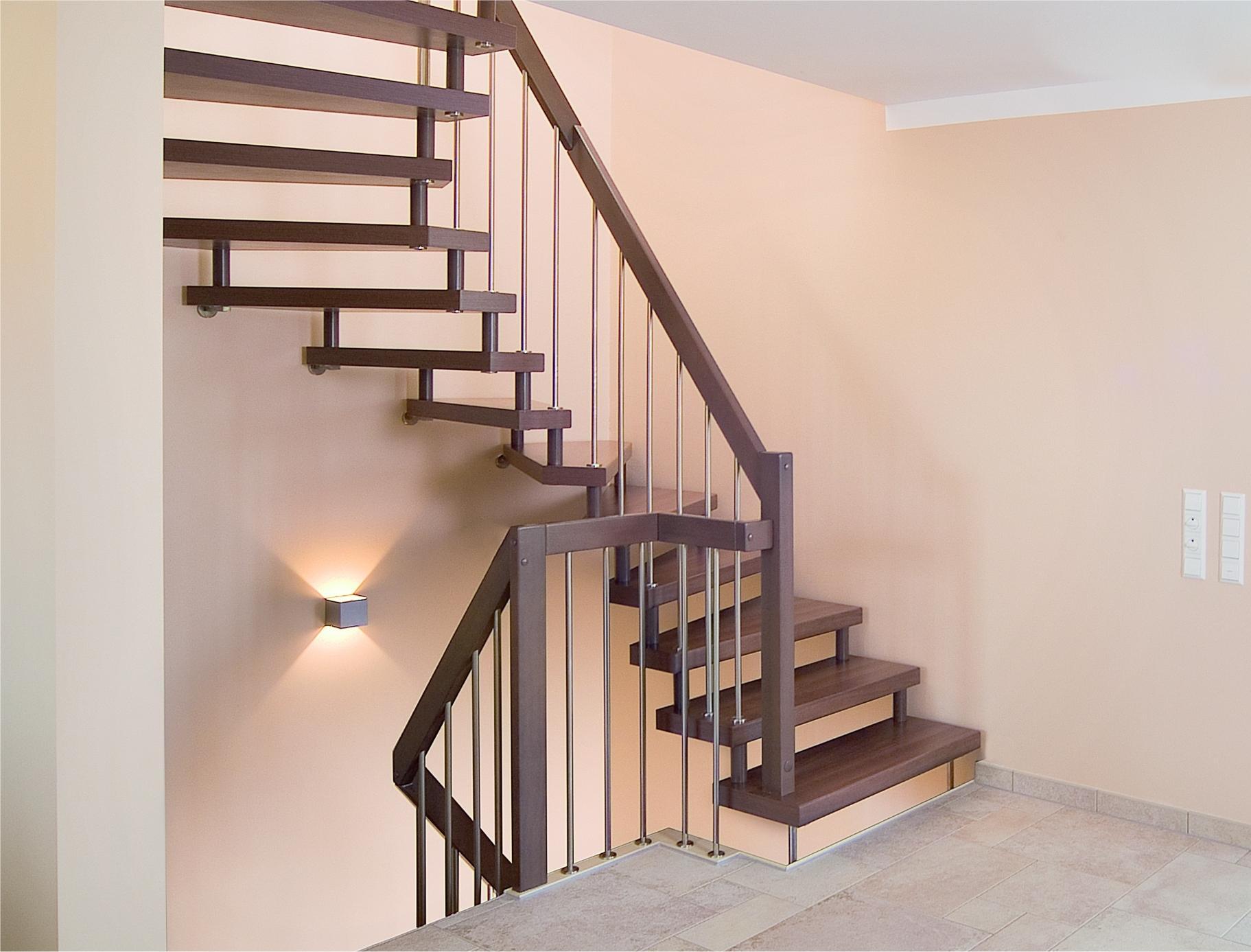 Лестницы с больцевой системой крепления