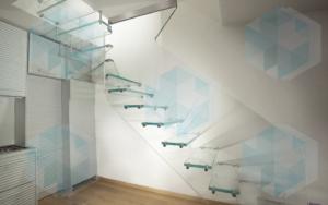 Стеклянная лестница (невидимка)