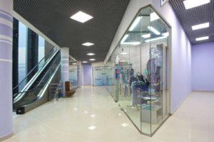 стеклянные перегородки для торговых залов3