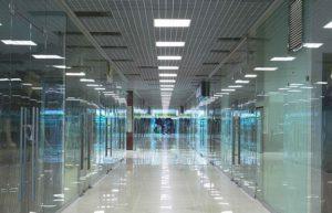 4стеклянные перегородки для торговых залов