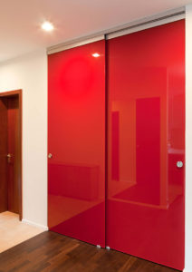 Раздвижные стеклянные двери производство